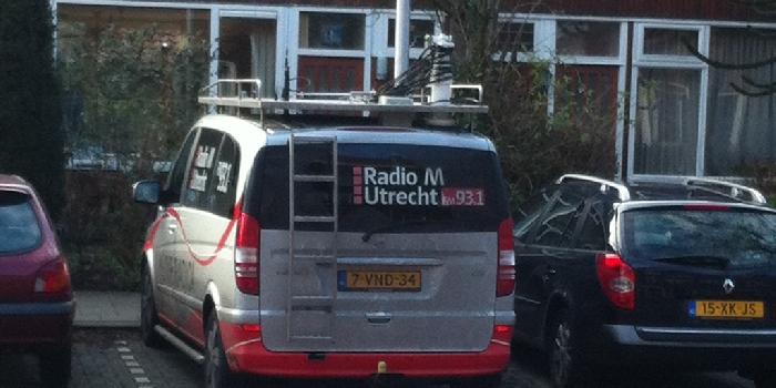 Klusvrouw-Zij-Klust-Radio-M-1